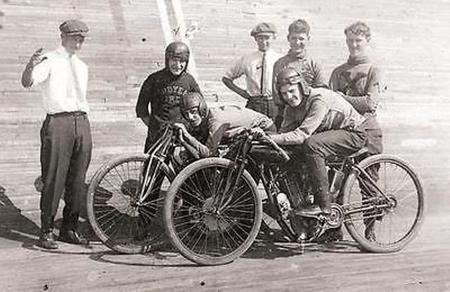 old-board-track-racer-motorcycle-biker-hd-bike-vintage-photo-pic-rare-image-1116-c12bbead487c4348d83f21e0fb8d96ba.jpg